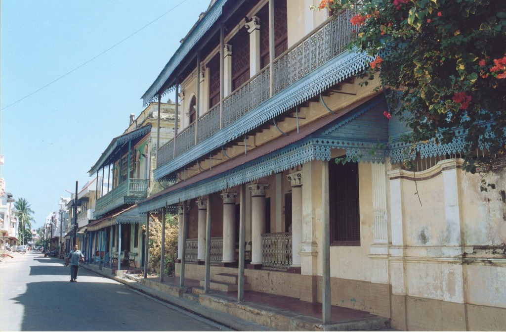 Tamil Town Pondicherry South India holiday