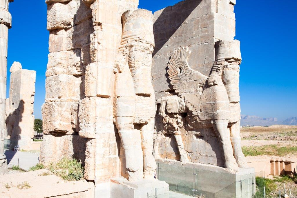 gateway of all nations persepolis   tailor made holiday iran