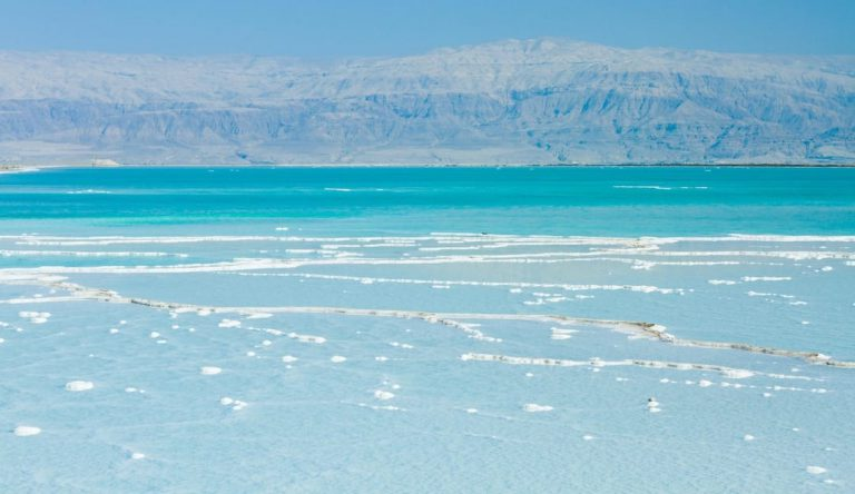 The best countries to combine with Jordan on a tailor made luxury holiday |Western Wall and Dome of the Rock, Jerusalem, Israel | The Dead Sea
