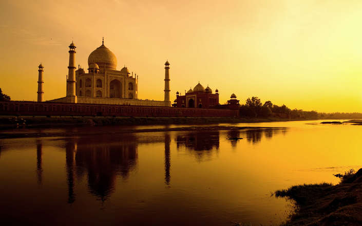 Visit the Taj Mahal in Agra on a tailor-made holiday to north India