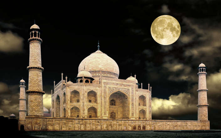 Visit the Taj Mahal by moonlight on a tailor-made holiday to north India