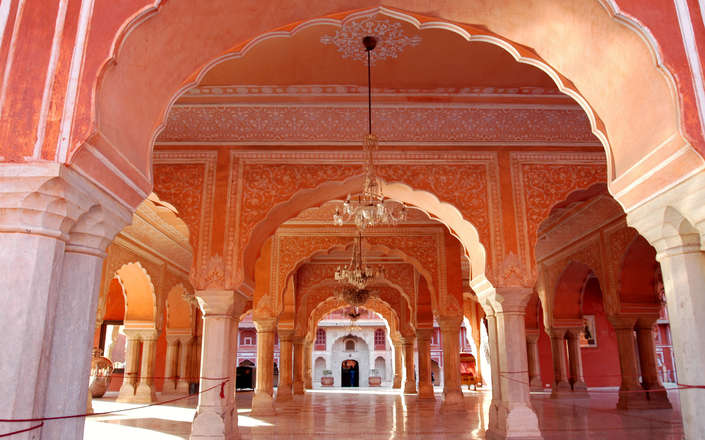 Visit Jaipur on a tailor-made holiday to north India