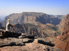 Our tailor-made Jabal Akhdar tours will reveal the region in style.