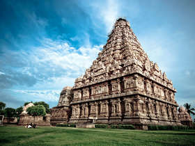 Our tailor-made Tamil Nadu tours will reveal this spectacular state in style.