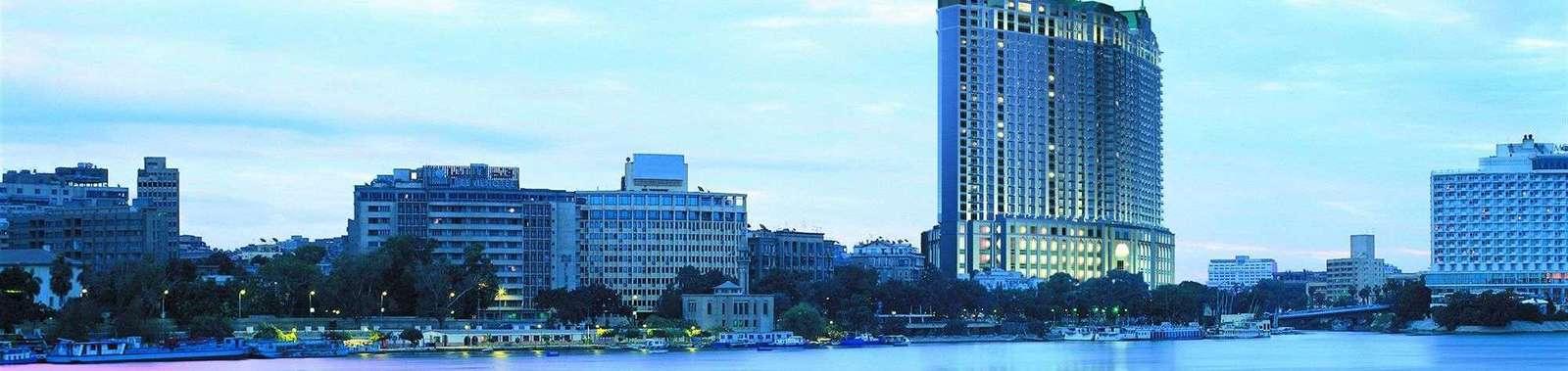 four-seasons-hotel-cairo-nile-plaza-1