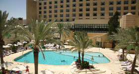 7 Intercon Amman spa outsoor Pool