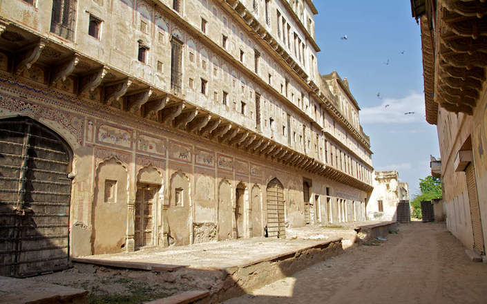 In rural Rajasthan stay at Malji Ka Kamra heritage hotel halfway between Delhi and Bikaner