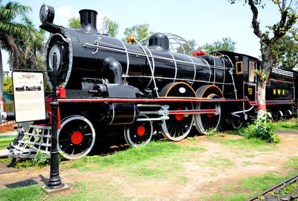 Darjeeling Express: India by Rail | Luxury holiday to India