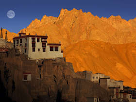 Amazing landscapes on a Grand Tour of Ladakh