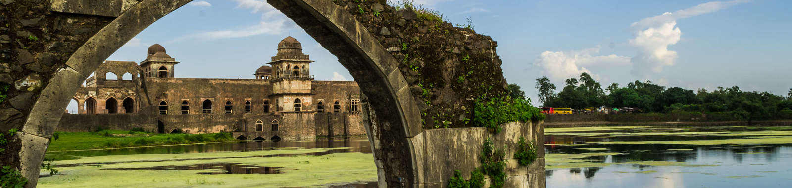 A private tailor-made tour of Gujarat and Ahilya Fort