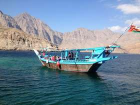A tailor-made Oman & Musandam tour featuring a dhow cruise, the Jabal Akhdar and the Wahiba Sands.