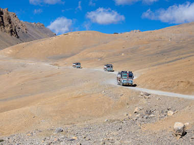 Travel from Manali to Leh on a tailor made holiday to Ladakh